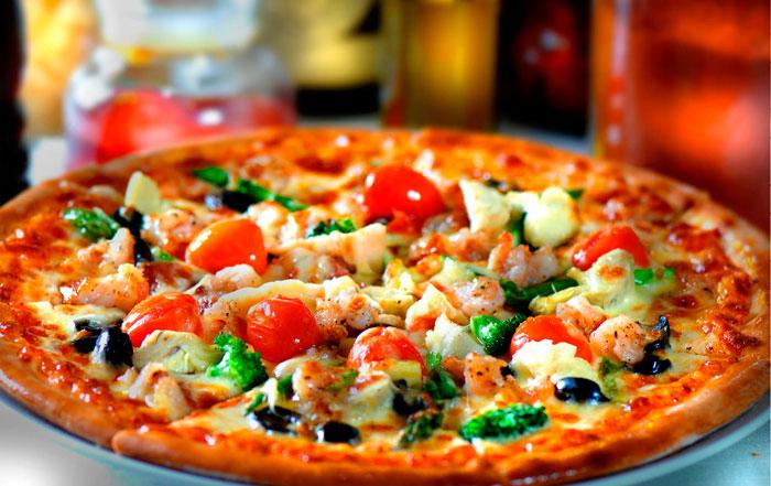 В Италии хотят обязать производителей пиццы получать лицензию на ее приготовление Подробнее: http://www.rosbalt.ru/style/2015/08/04/1425931.html